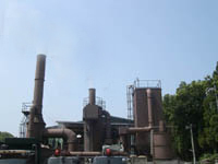 可燃物を焼却し、廃棄物の減量化を図ります。
